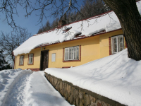 Yellow Cottage im Winter